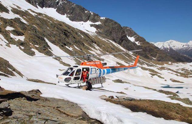 Anlieferung mit Hubschrauber
