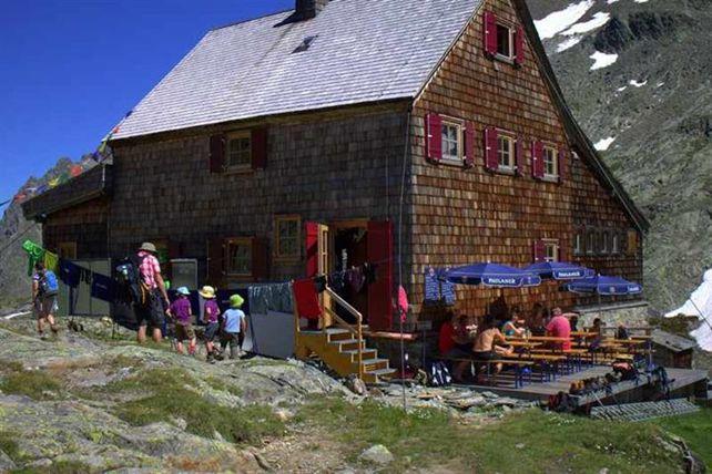 Die Adolf-Nossberger-Hütte, © Adolf-Nossberger-Hütte