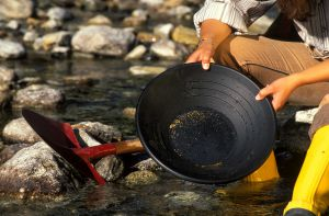 Goldpfanne, Goldwaschen in Heiligenblut, © HT-NPR, D. Zupanc