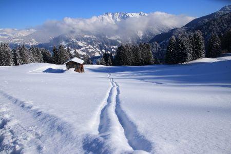 Winterhütte im Montafon, Golm, pixabay