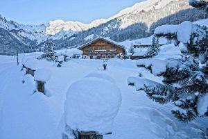 Fischbachalm im Schnee